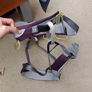 Black diamond purple rock climbing harness